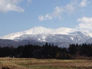 4月8日 鳥海山.JPG